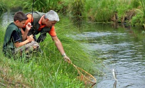 La pêche le lac le dIrkoutsk