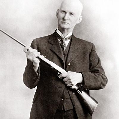 John Moses Browning : l'inventeur de génie