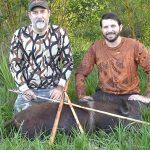 A la chasse du sanglier avec une arme préhistorique