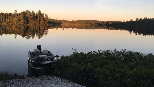 Pêche possible sur le lac de la pourvoirie de Monsieur Nature
